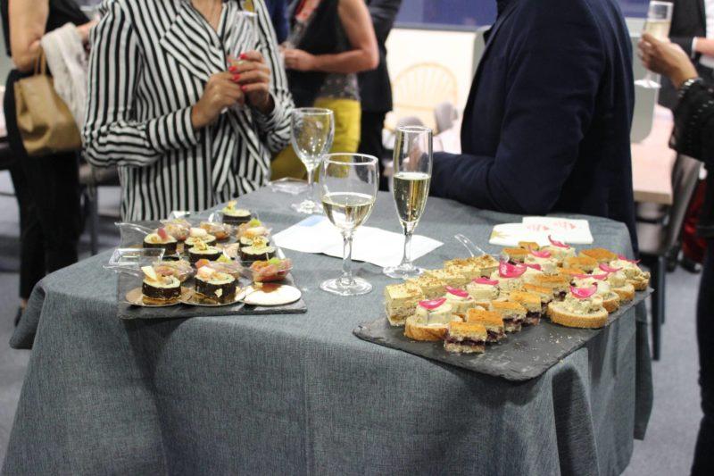 Photo soirée d'inauguration d'entreprise par Montrognon Traiteur