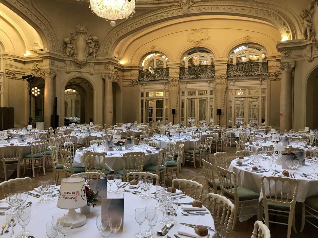 Photo d'une salle de repas au Palais des Congrès de Vichy Montrognon Traiteur