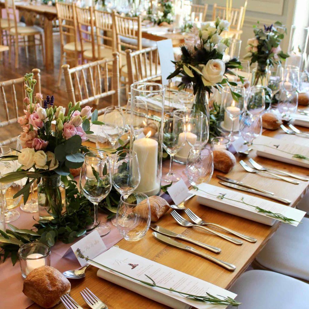 Photo d'une table pour un mariage Montrognon Traiteur